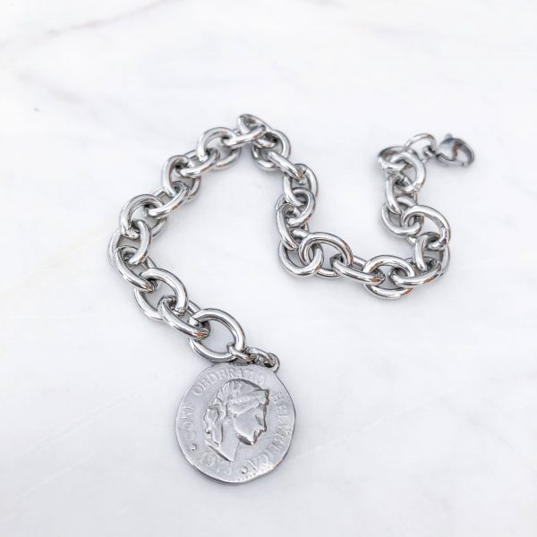 Pendant, chain, clasp — stainless steel 304.
