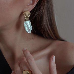 Ear stud – stainless steel 304, natural keshi pearl, for pierced ears