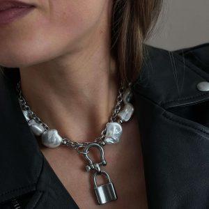 Natural keshi pearl, pendant padlock, chain, clasp — stainless steel 304.