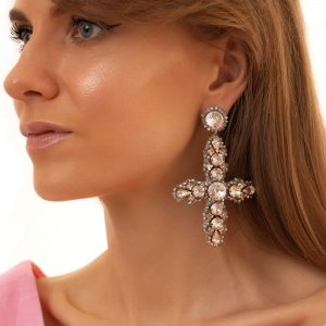 Real leather, Swarovski crystals, glass beads, ear stud – stainless steel 304, for pierced ears.