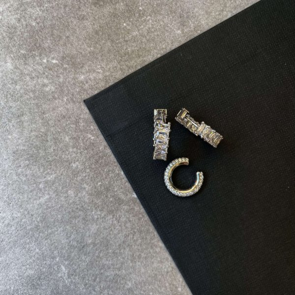 Brass ear stud with cubic zirconia, long – lasting plated, for pierced ears, cuff – brass with cubic zirconia.
